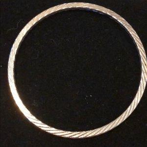 Jewelry - Silver patterned bracelet